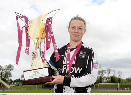 mary with_trophy